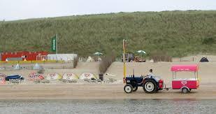 Eisverkauf am Strand Zandvoort und Bloemendaal aan Zee